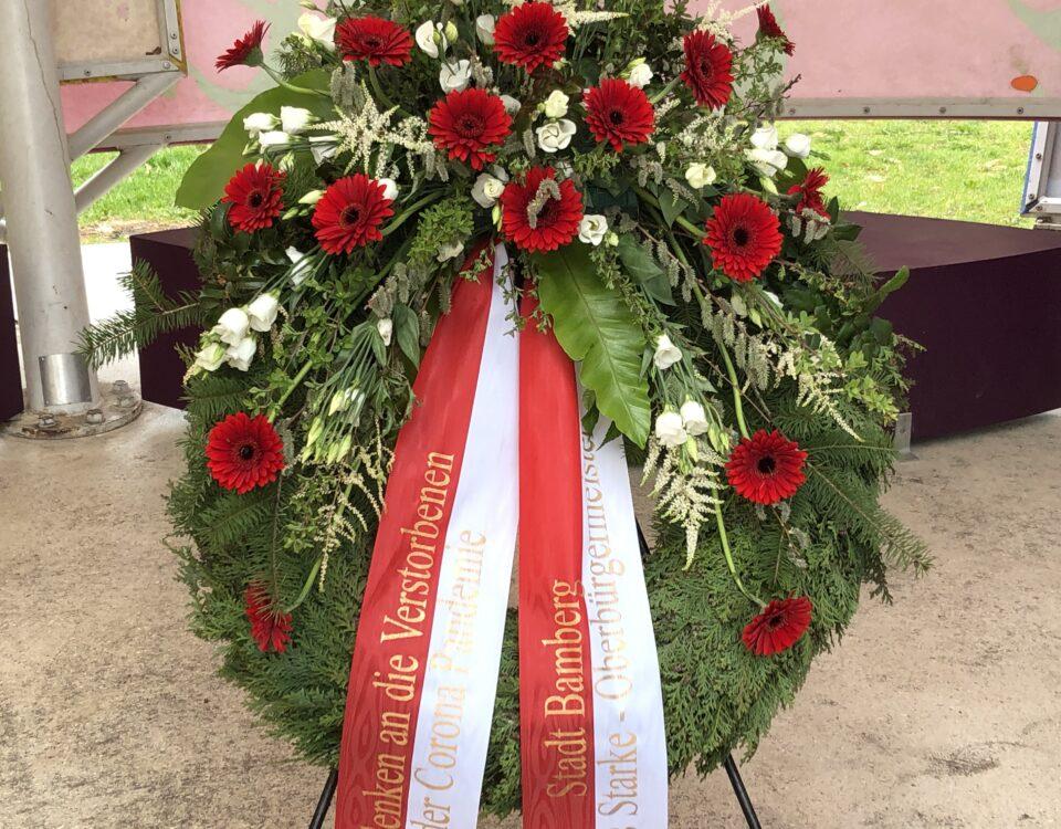 Kranz zum Gedenken der Coronatoten